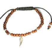 Le bracelet shamballa en bois et plume
