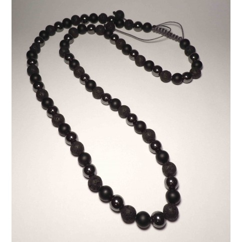 Un collier shamballa perles sombre pour homme