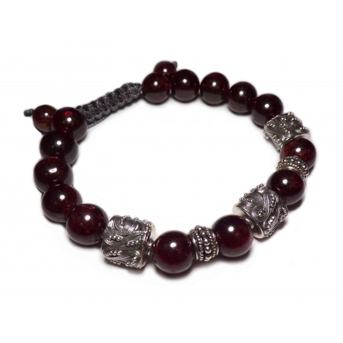 bracelet en perles grenat shamballa