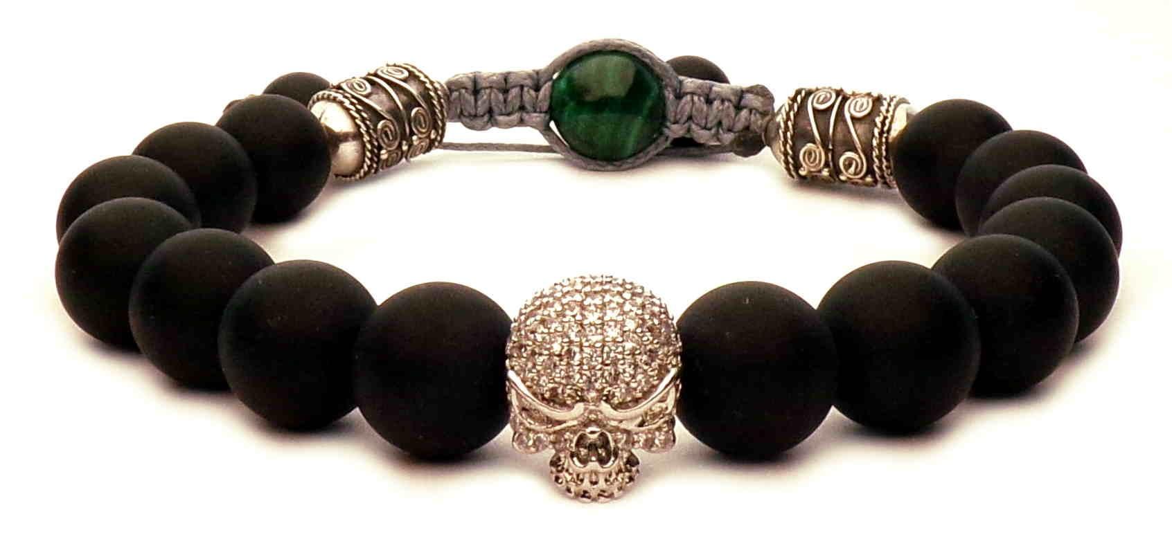 bracelet shamballa tete de mort argent et perles noir mat. Black Bedroom Furniture Sets. Home Design Ideas