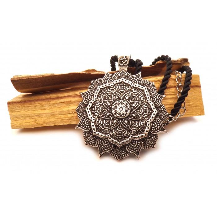 Pendentif Fleur lotus Mandala Om