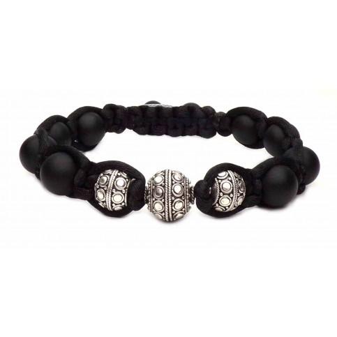 Le bracelet shamballa tressé perles argent