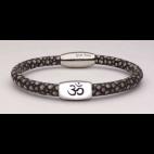 Le bracelet Om̐ en galuchat gris