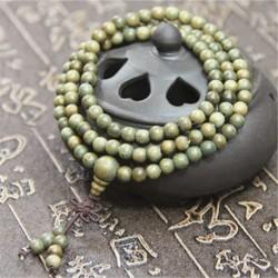 Bracelet mala 108 perles de santal vert clair naturelles