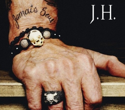 Johnny Hallyday's wrist jewelry